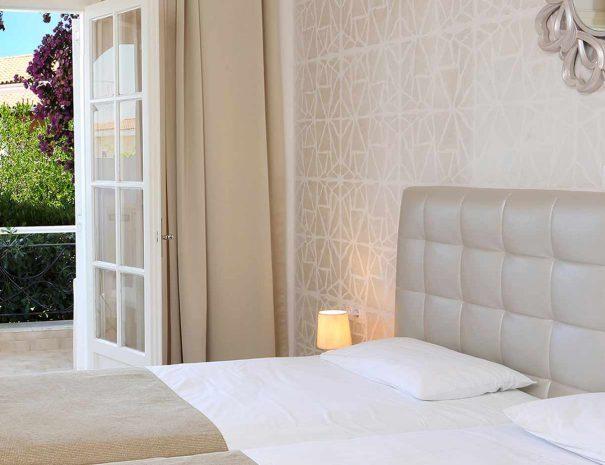 double bed-doubleroom-gardenview